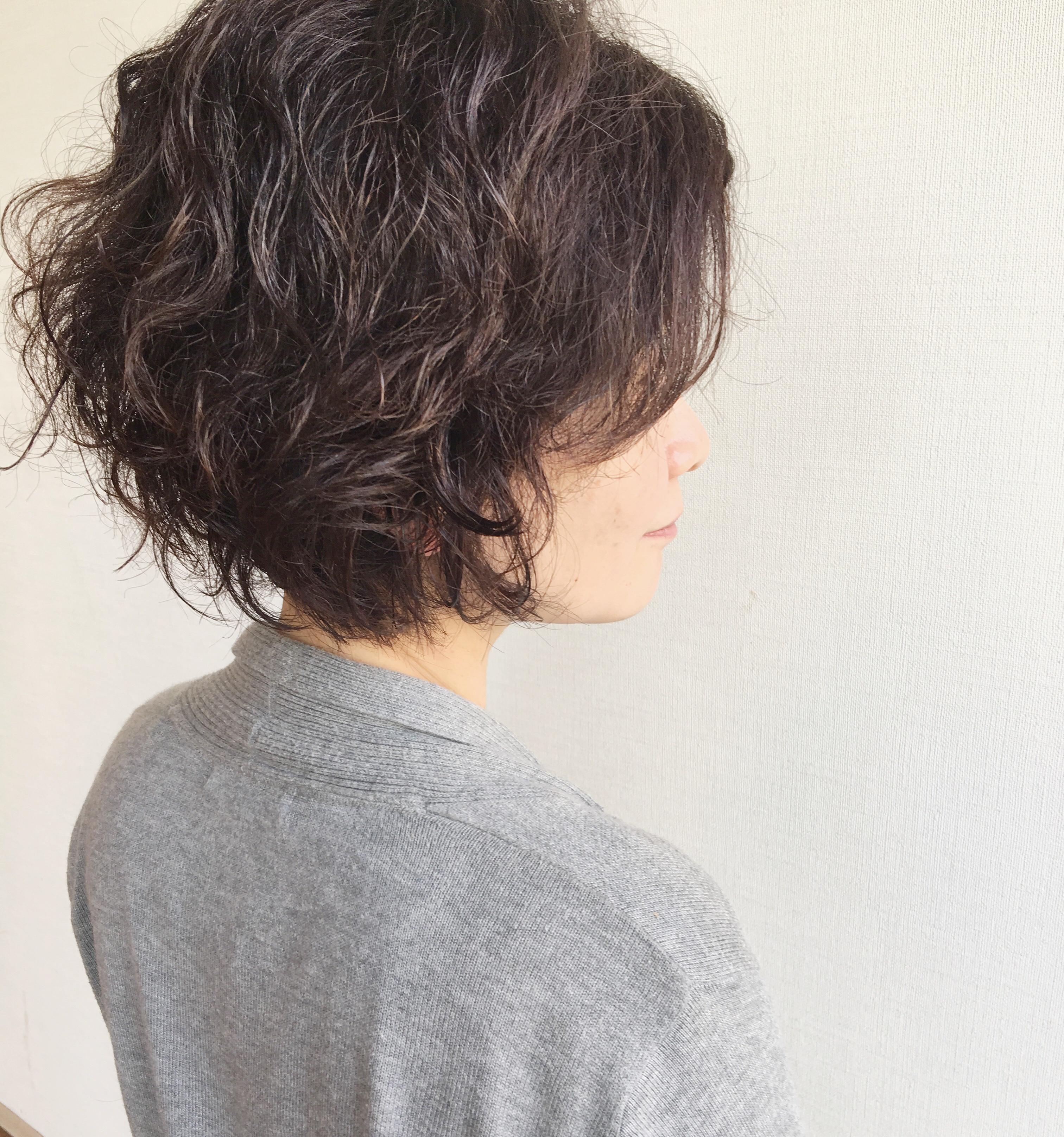 50 代 髪型 くせ毛